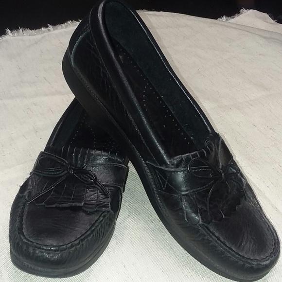 2a6c0846c17 SAS Mens Black Leather Loafer size 8 Dress Shoe. M 5b9a964a45c8b3b5d4345250